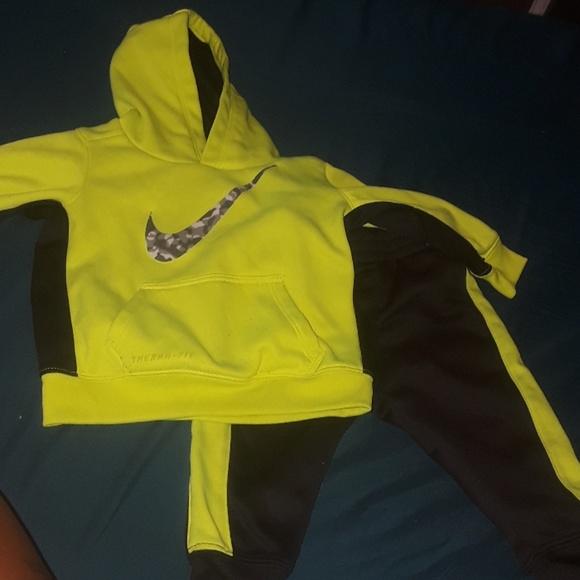 12m thermafit baby Nike jogging suit